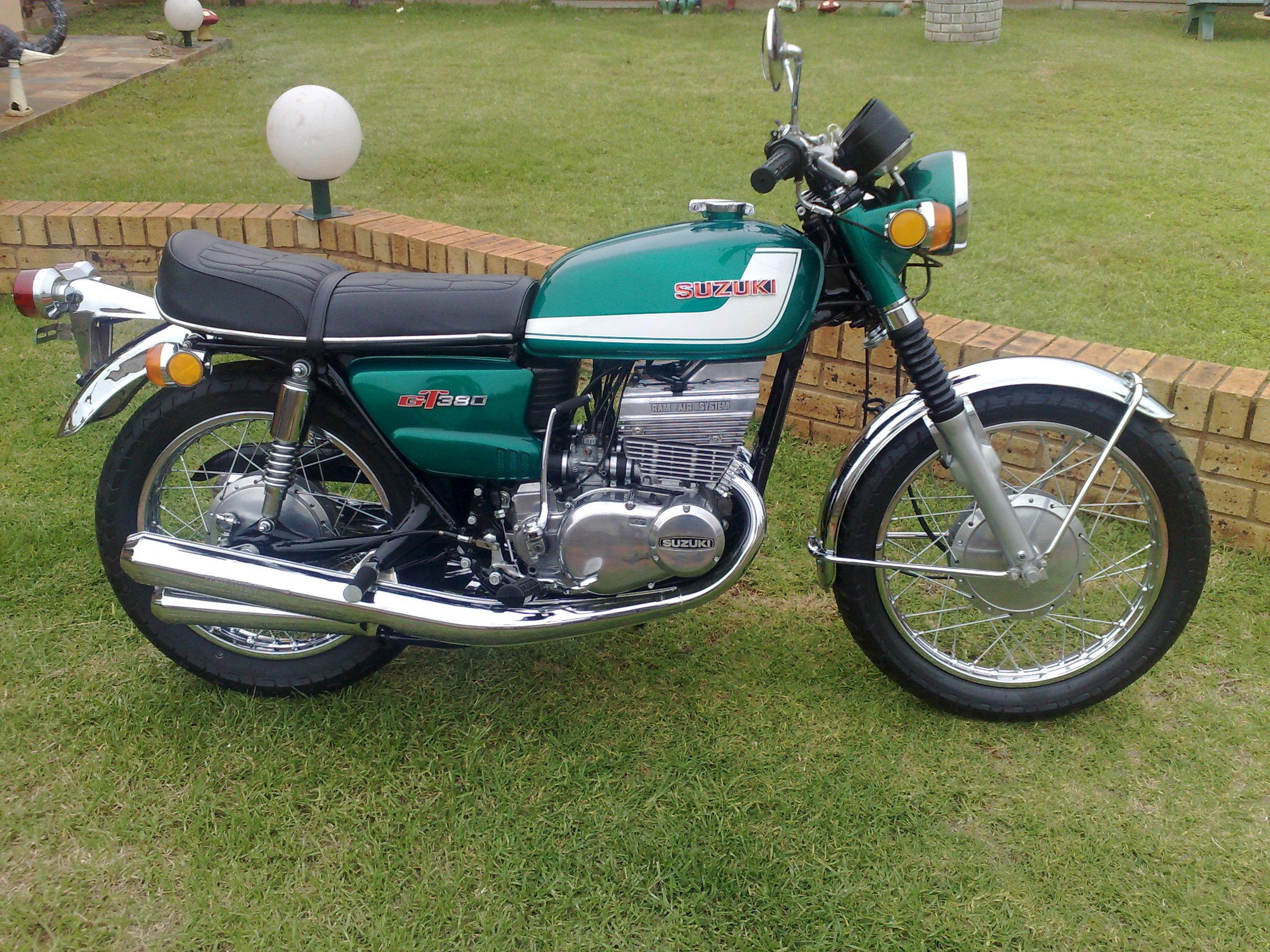 1971 Suzuki GT 380 after pic 1
