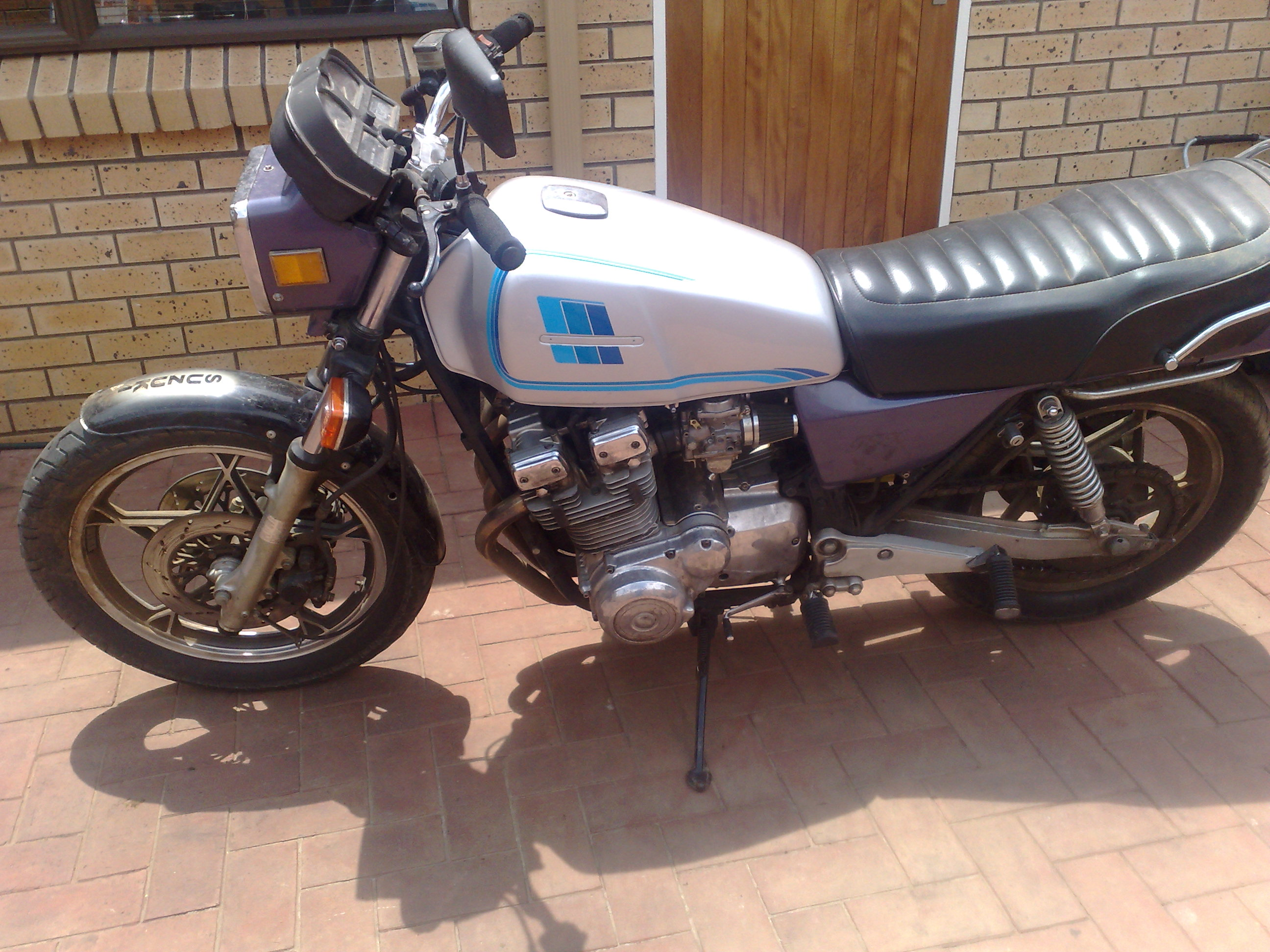 1981 Suzuki GSX 1100 before pic 1