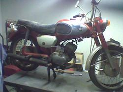 1969 Suzuki B120 before pic 1 (2)