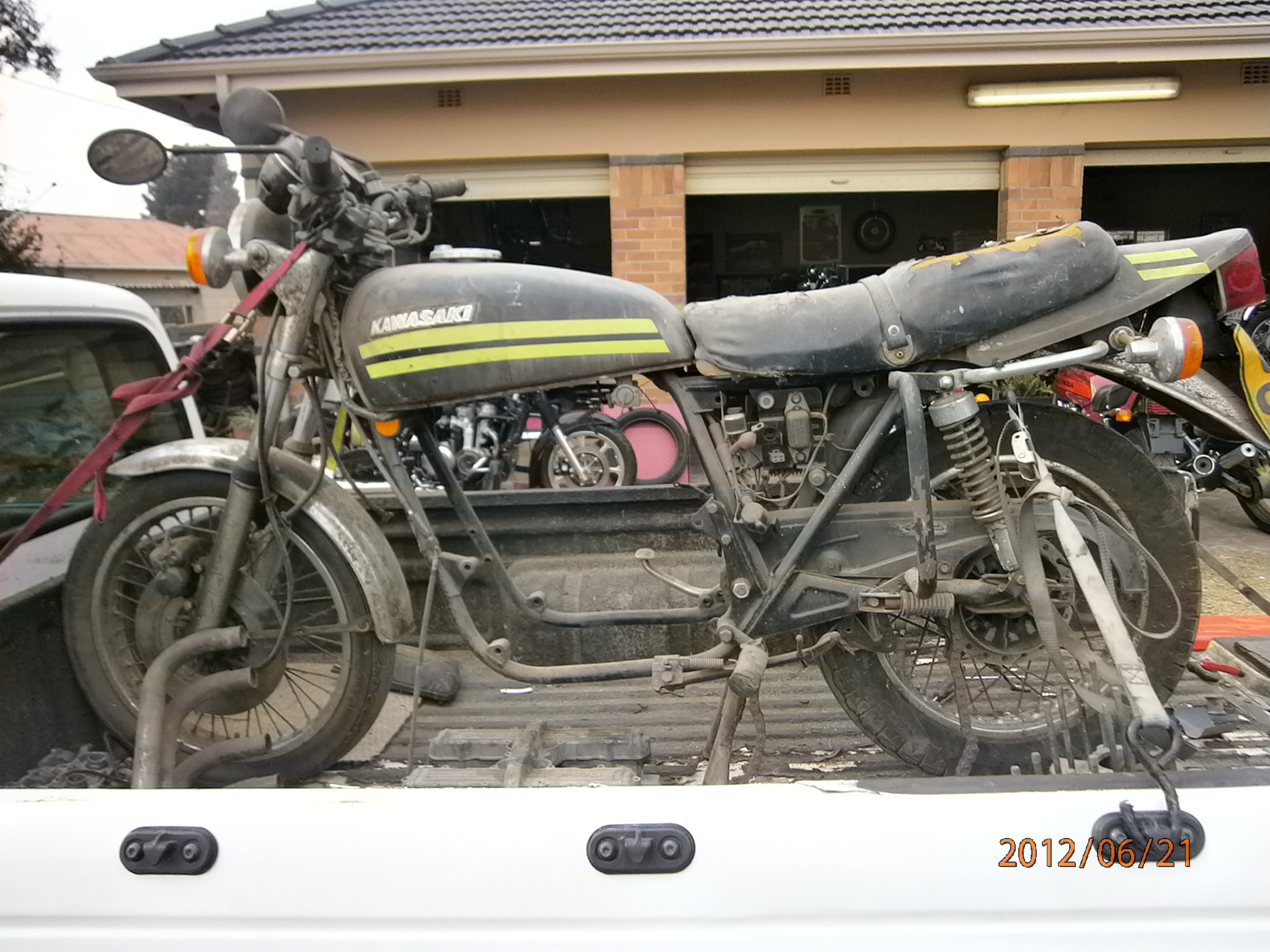 1976 Kawasaki KZ 650 cafe racer before pic 1