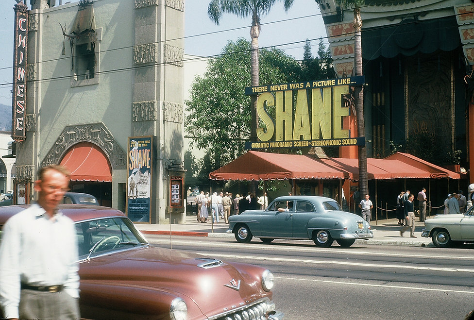 Graumans Chinese Theater 1953.jpg