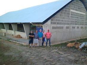 Prefeito Luciano visita obra de construção de quadra coberta no sítio Santa Maria