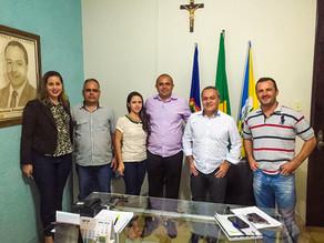 Prefeito se reúne com gerente do Banco do Brasil