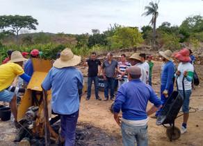 João Batista visita mutirão da estrada Triunfo - Pico do Papagaio