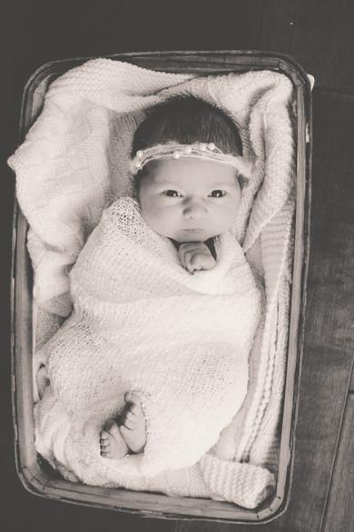 Emily Jade- newborn-22.jpg