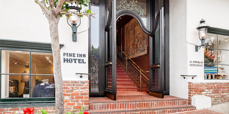 Pine_Inn_Front_Entrance.jpg