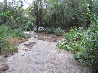 Old carrageway near the leat