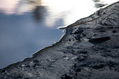 DSC_0921 glass river close 1.jpg