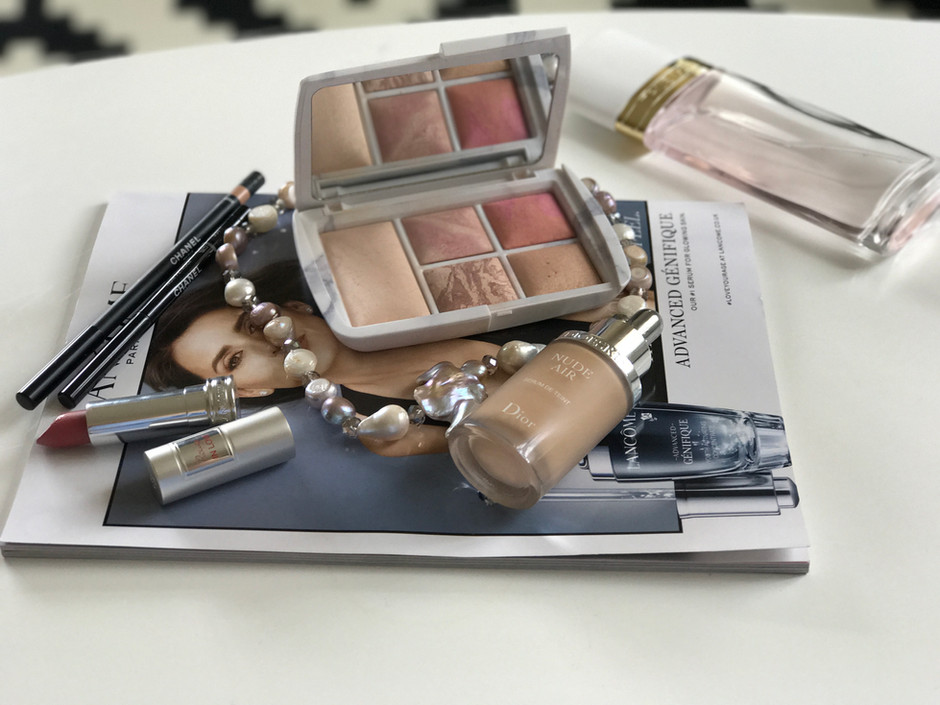 Hourglass Ambient Lighting Edit Surreal Light Palette: Review
