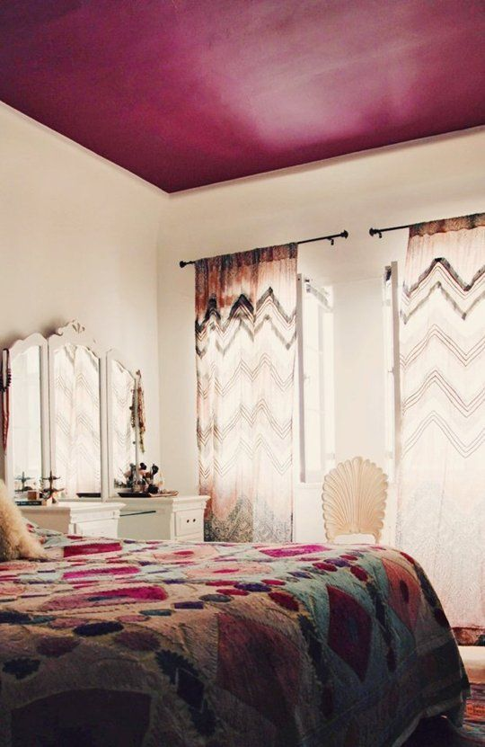 interior designer_paint the ceiling in a beautiful rose color to suit your personality