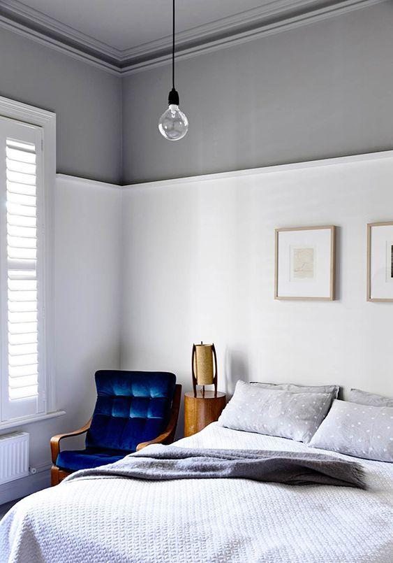 interior decorator_light grey ceiling color adds elegance to a bedroom