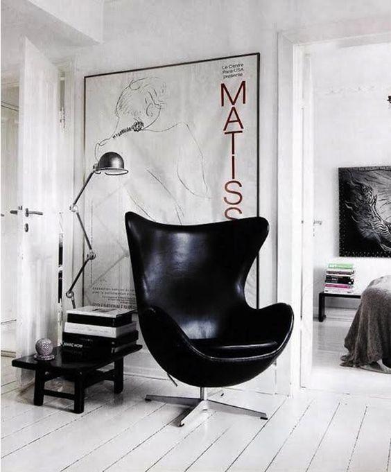 interior design tips_big wall fram_how to hang artworks