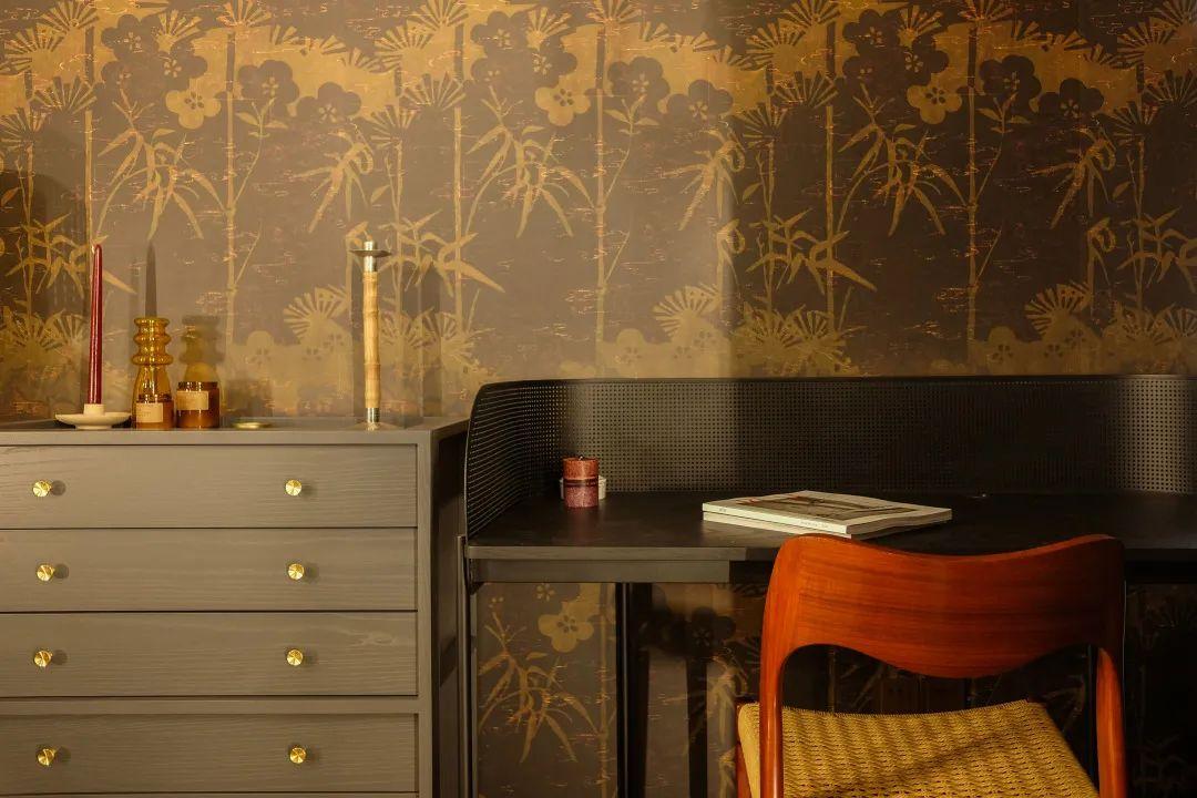 Luxury wallpaper in a bedroom design project