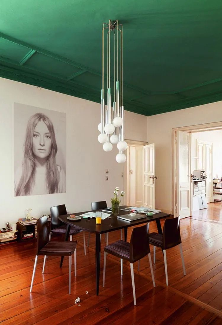 interior decoration_forest green is a very nice ceiling color choice