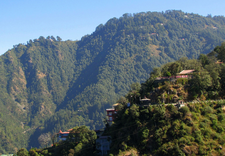 Lal TIbba is the highest peak in the Musoorie, a famous hillstation and a must visit place in Uttarakhan