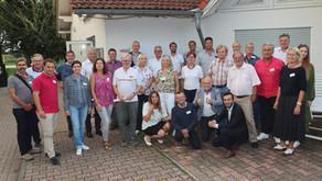 Sportdezernent Mike Josef unterstützt Tennisoffensive Frankfurt