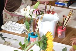 絵画教室机の上.jpg