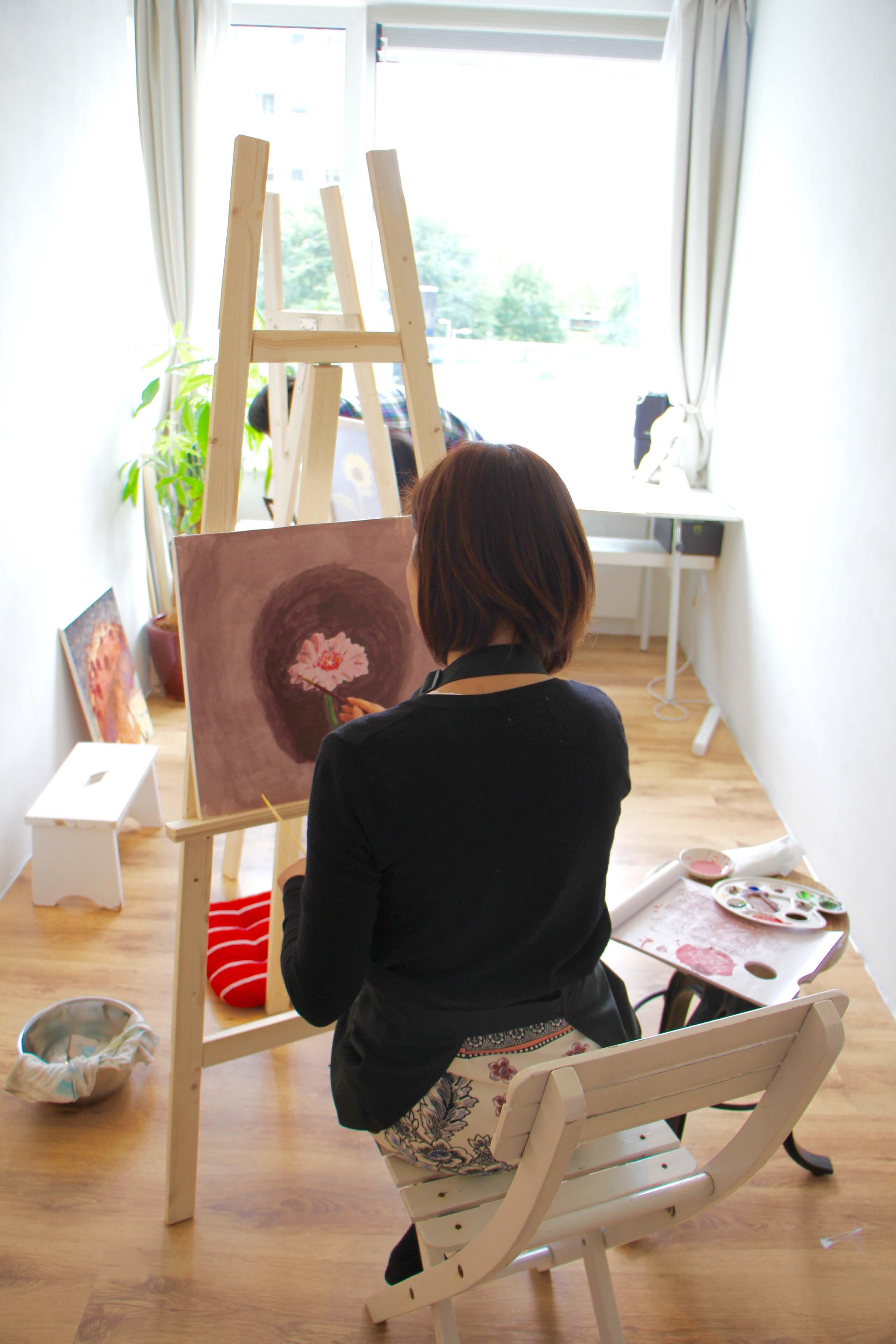 絵画教室風景生徒 2.jpg
