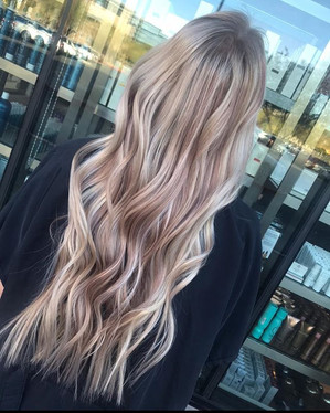 """Installed some 22"""" #babehairextensions"""