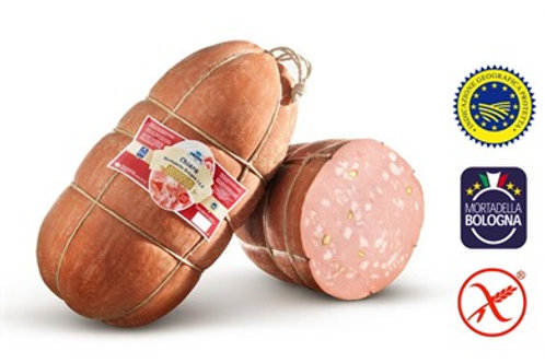 Mortadella avec pistaches à la coupe