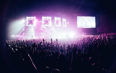 Singen bei einem Rock Konzert