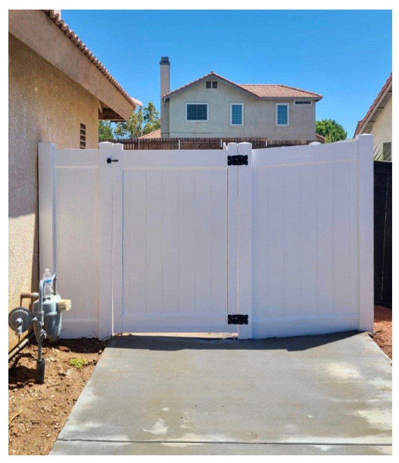 Vinyl Fence with Side Panels