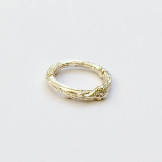 Thick twig ring
