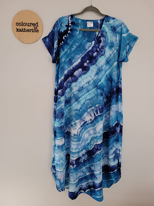 Curve Hem Dress with Pockets - blue lines