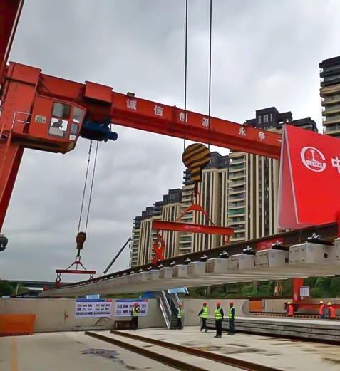 Gantry-Crane-for-Road-Construction