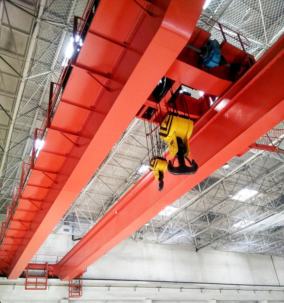 overhead-crane-with-hooks