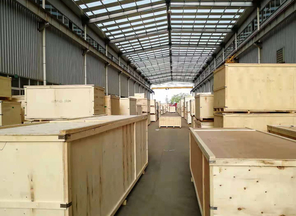 crane-parts-wooden-case-packing