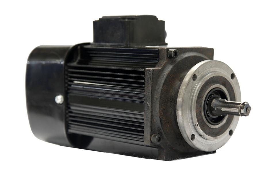 Euro-style traveling motor