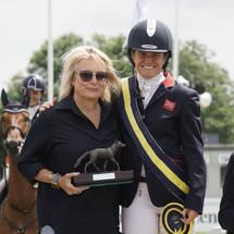 Piggy and Jennifer Saunders