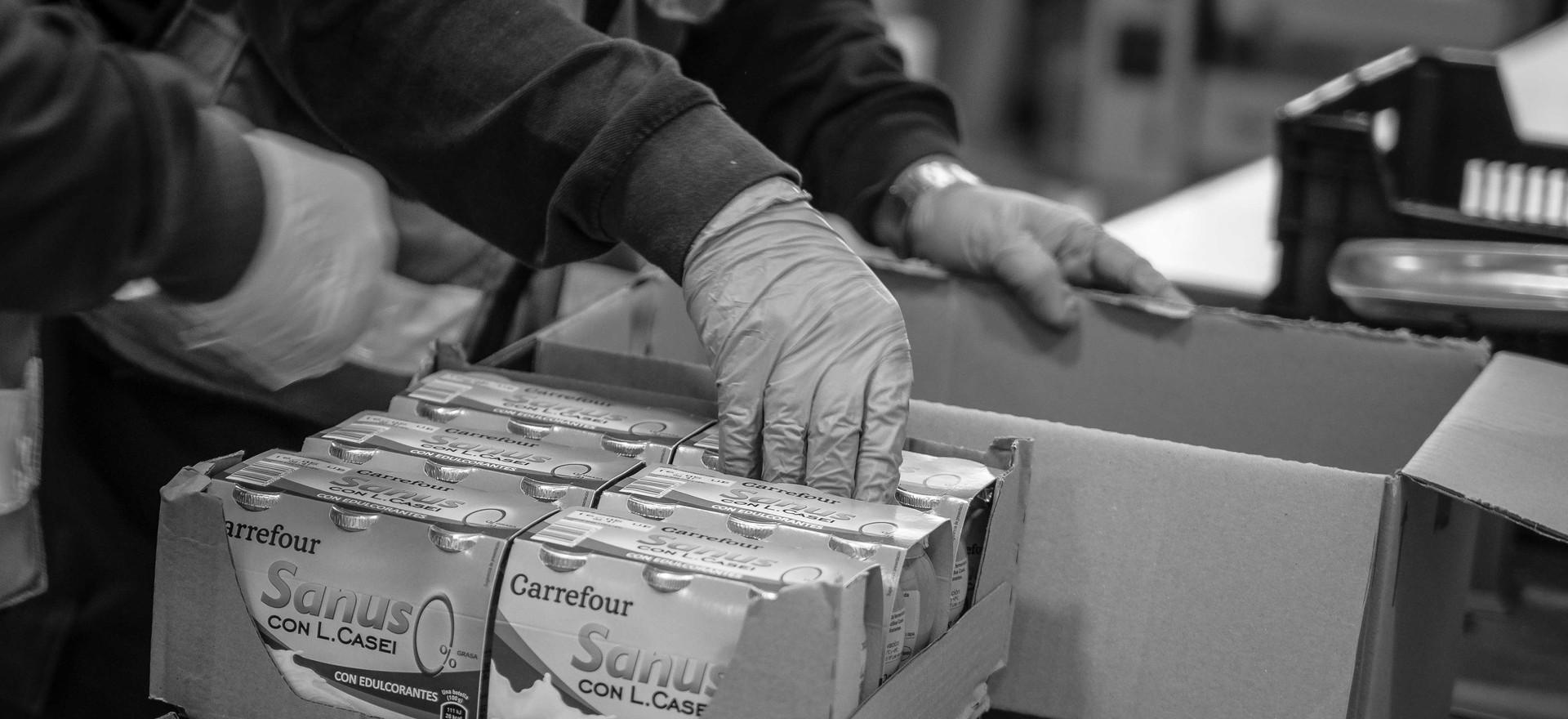 Preparación de cestas de alimentos.