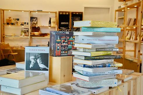 Bücherladen_unsere Auswahl an Bücher.jpeg