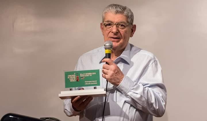Prof. homenageado Marcelo Guerchfeld.jpg