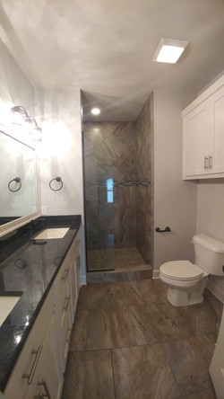 Cambridge Village Master Bath
