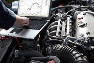 diagnostics engine and computer.jpg