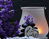lanterne_fleurs_violet_S.Hermann_F.Richter_pixabay.jpg