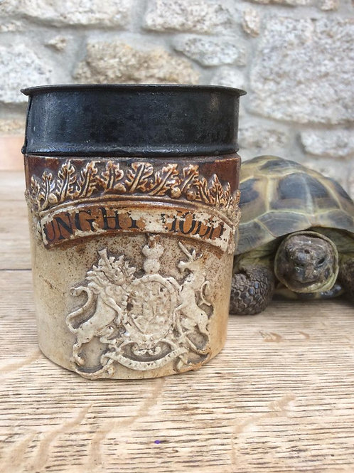 Small size stoneware drug jar or shop pot