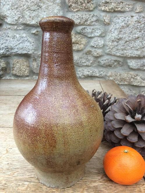 Dwight type early London stoneware bottle
