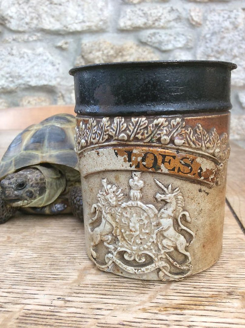 Small size stoneware drug jar or shop pot