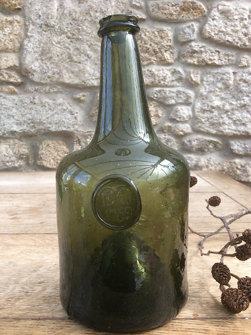 Crude early dated sealed squat EG/1762