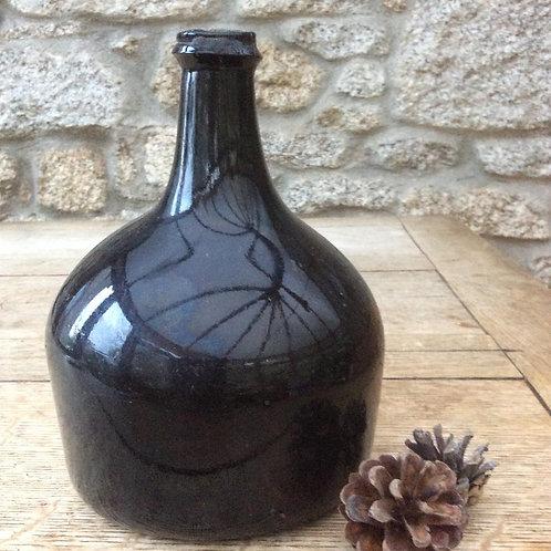 Freeblown blackglass English Hogarth form onion mallet