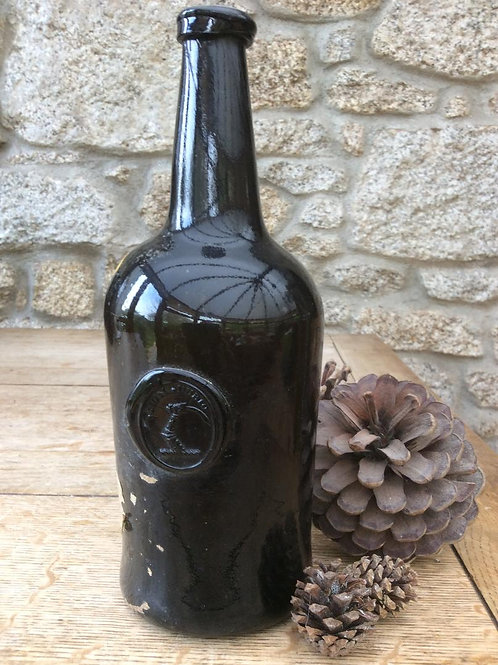 Non Dubio sealed blackglass cylinder c1770