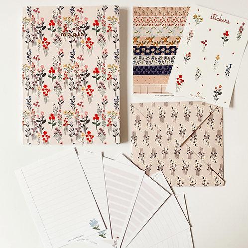 Cuaderno Flores Silvestres + SET Papelería