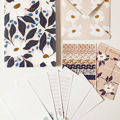 Cuaderno Flores Blancas