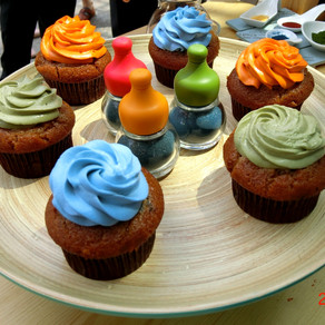 Colorful microalgae cakes