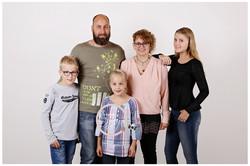 27 > familie
