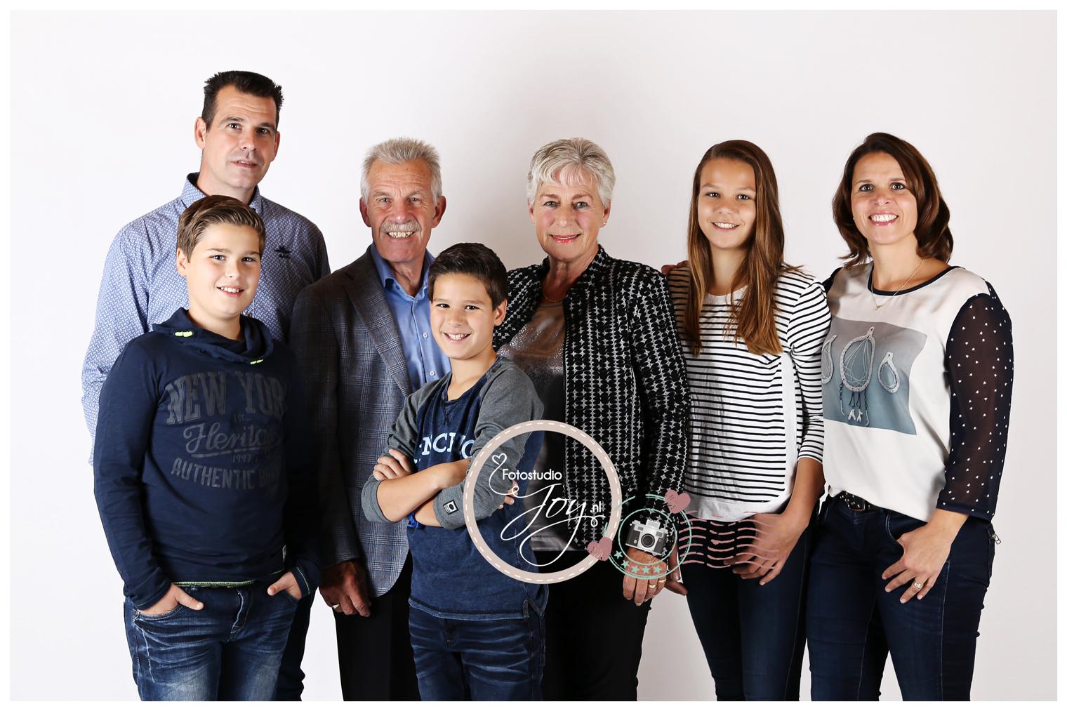 8 > familie